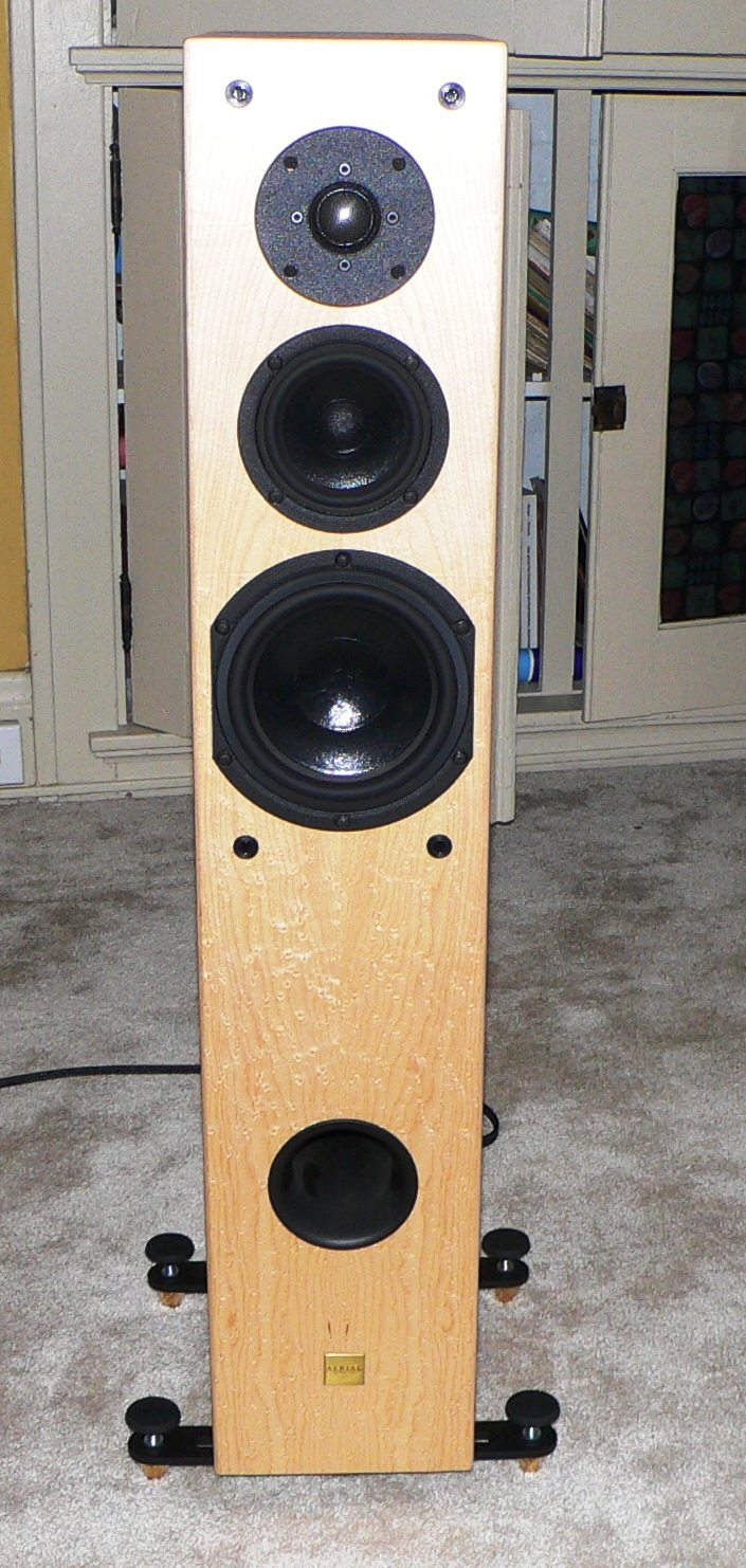 List many different loudspeaker models and the size of
